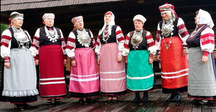 Lestijokiseudun Venäjä-Seuran vieraana Värskän mummot.