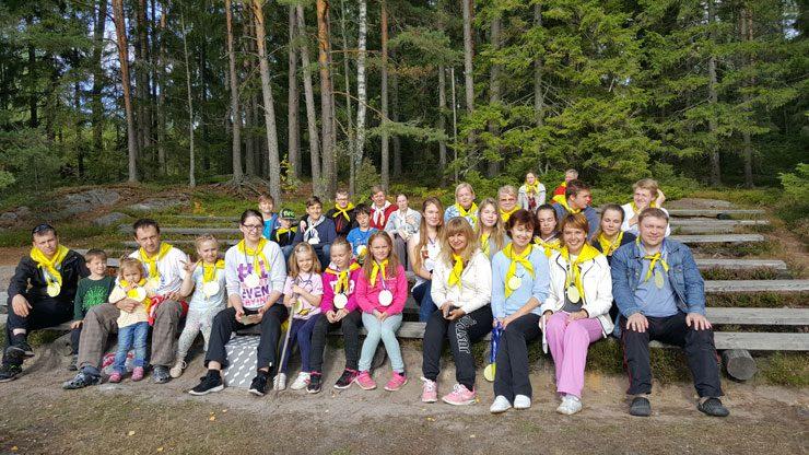 Suomi-Venäjä-Seuran Salon osasto järjestää leirejä venäjänkielisille vanhemmille ja lapsille.