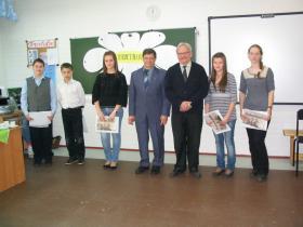 Kuhmon osasto tukee suomen kielen opiskelua Kostamuksessa, yhteistyökumppanina koulu nro 1