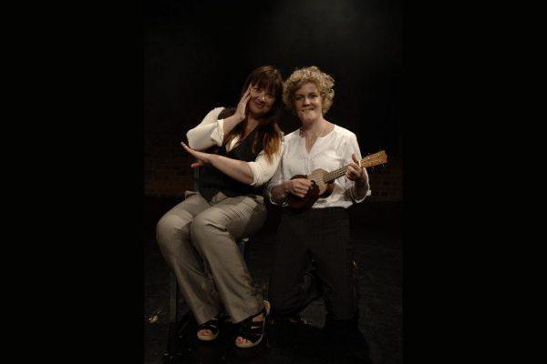 Sinä ja minä Moskovan valoissa -konsertti, esiintyjinä Laura Hänninen ja Sirke Lääkkölä