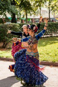 Tribal tanssiryhmä esiintyy VereskFESTillä 18.8.2019.